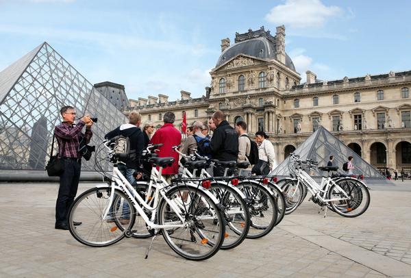 Paris à Vélo & Louvre