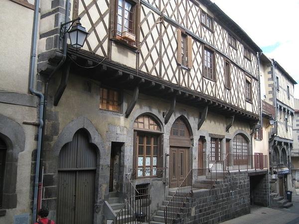 Montferrand, quartier médiéval de Clermont-Ferrand
