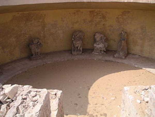 Les fouilles des Petits Souterrains du Sérapéum de Memphis De Mariette à aujourd'hui