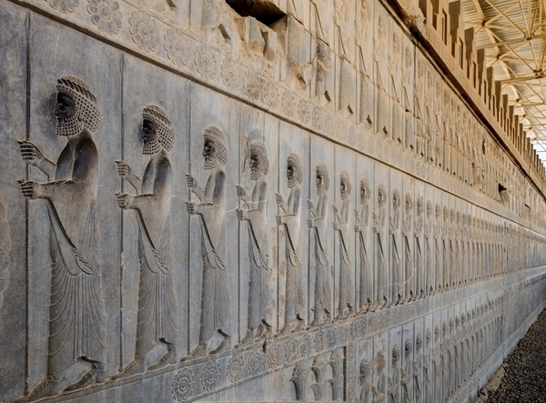 Persépolis avant Persépolis : les fouilles irano-italiennes à Tol-e Ajori