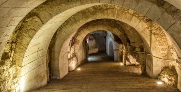 Château de Brézé et ses souterrains