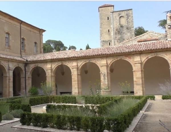 Abbaye Sainte-Marie de Lagrasse