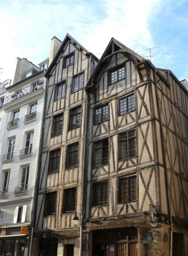 Les traces du Paris Médiéval
