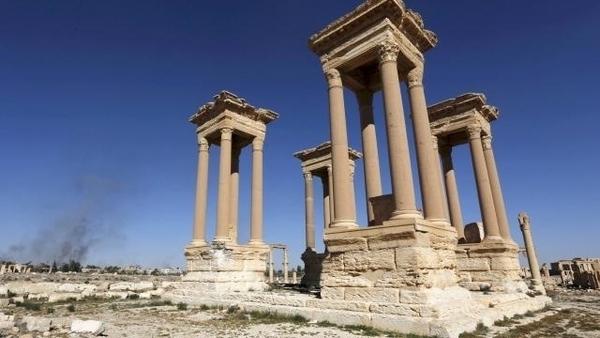 Regards du monde islamique sur son passé : histoire, patrimoine et archéologie