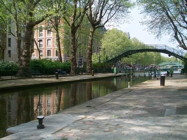 Le canal saint-martin : toute une atmosphère