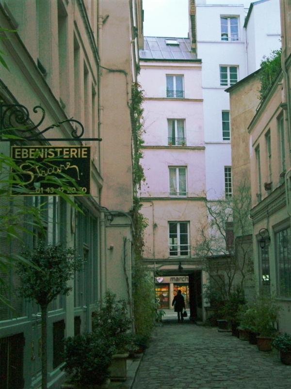 Le faubourg Saint-Antoine : ses cours cachées et ses artisans