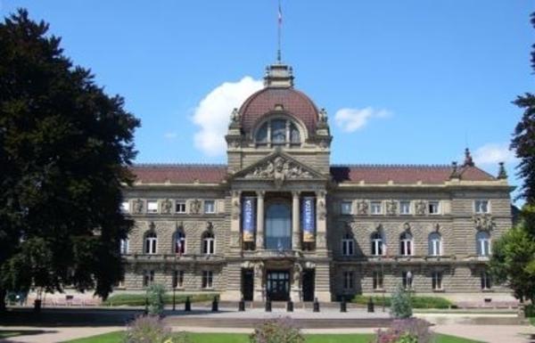 La référence médiévale dans l'architecture de la Neustadt