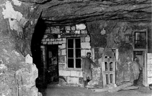"The ""Caverne du Dragon"""