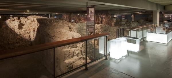 Crypte Archéologique de Notre Dame