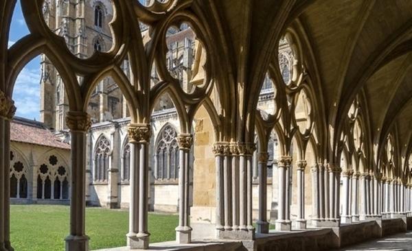 la cathedrale de Bayonne et ses merveilles