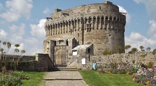 Les clés du château de Dinan