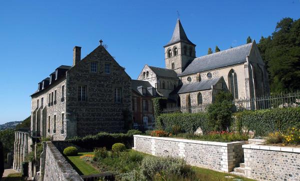 Abbaye de Graville, Musée d'Art et d'Histoire (famille)
