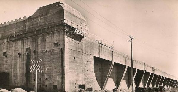 La base sous-marine, histoire d'une reconquête