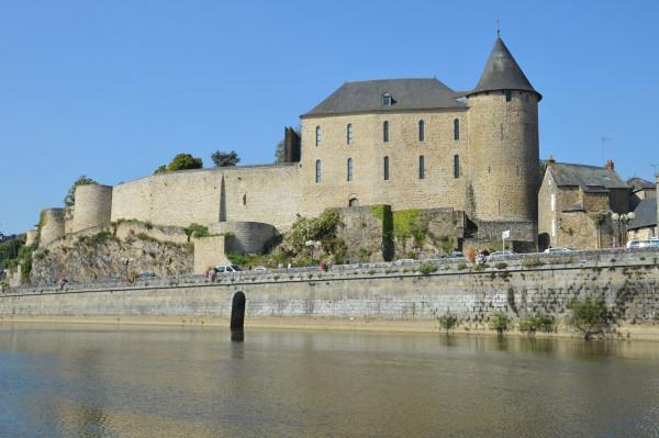 Château de Mayenne, et son musée (famille)