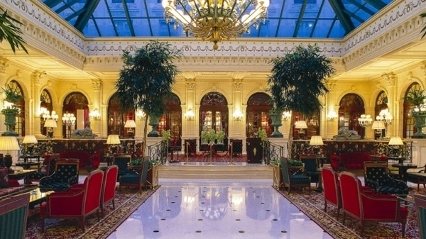 Circuit du Luxe guidé & Tea-Time dans un lieu prestigieux