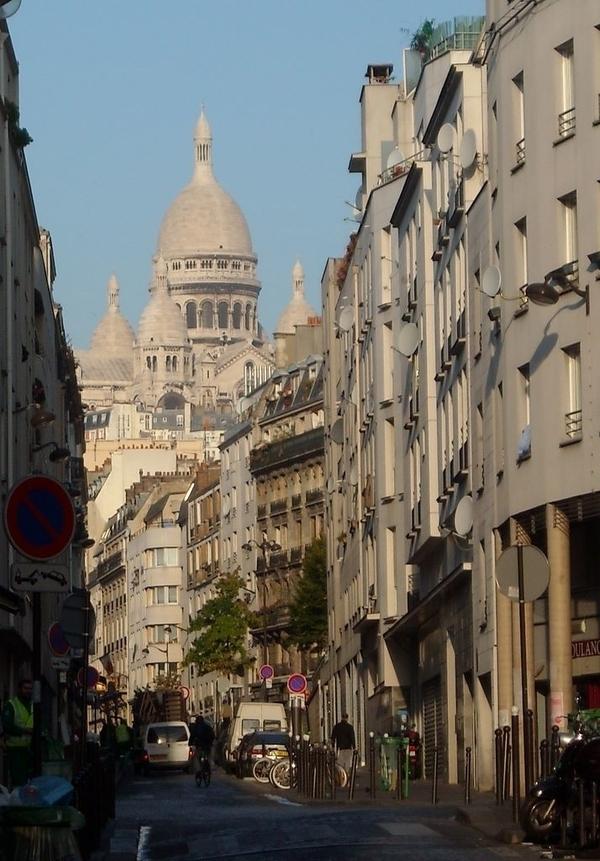 De la Goutte d'Or à Château Rouge : l'Orient et l'Afrique à Paris