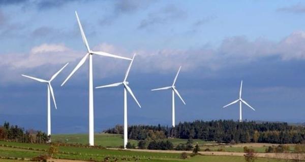 Le Parc éolien d'Ally-Mercoeur