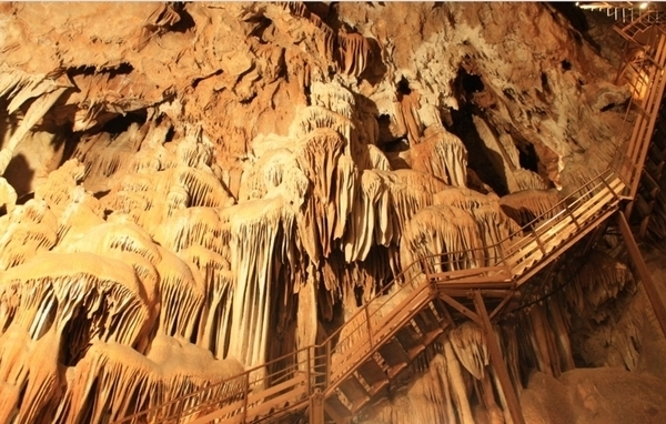 Grotte de Lastournelle