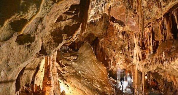 Grottes de Medous