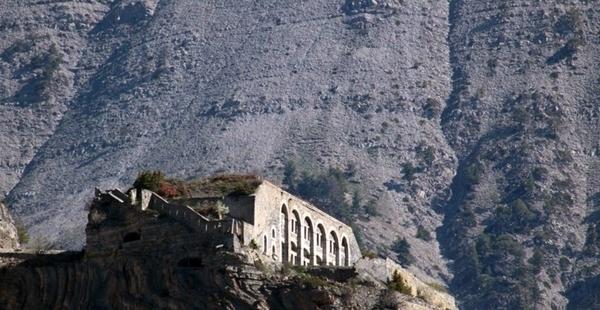 Fort de Tournoux et Batterie des Caurres