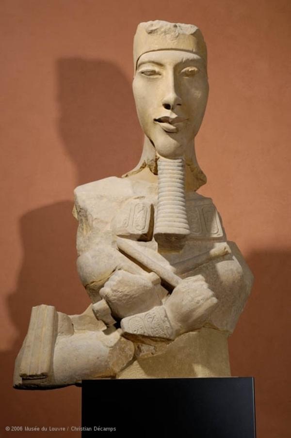 Les têtes couronnées : Akhénaton