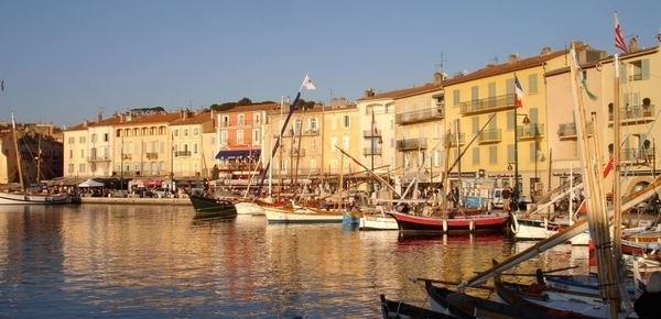 Le vieux port et le vieux village de Saint-Tropez