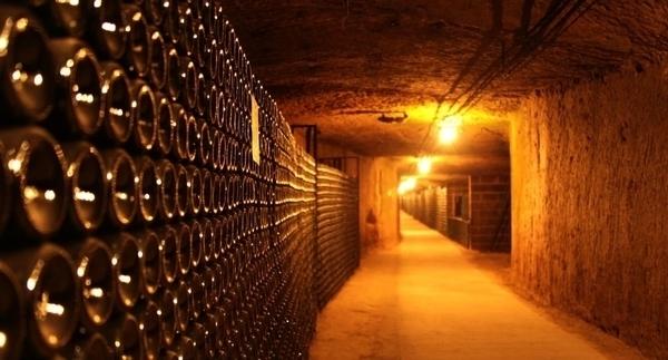 Les Caves Monmousseau