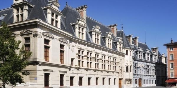 L'ancien palais du parlement de Grenoble