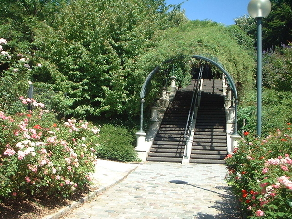 Hameaux, jardins et maisons basses de Belleville-Ménilmontant