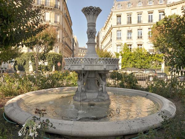 Le quartier François 1er : luxe, couture et tragédie
