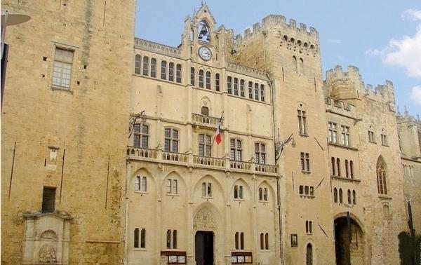Le palais des archevêques : du palais roman à l'Hotel de Ville