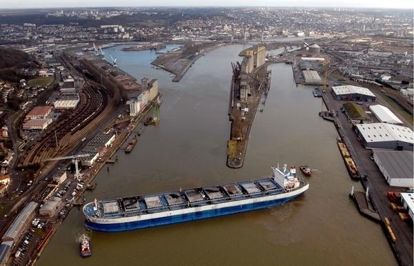 """Visite du port de Rouen à bord de la """"Lutèce"""""""