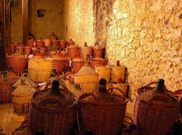 Maison Gélas, chais et distillerie
