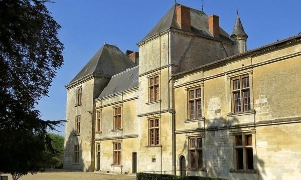 Château de Coulonges-sur-l'Autize
