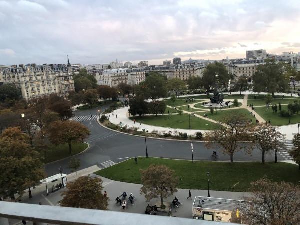 vue de Roofs Toits Terrasses de Paris