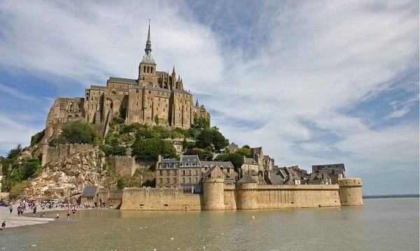 Balade sur les grèves du Mont-Saint-Michel