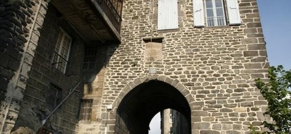 Saint-Flour, les remparts