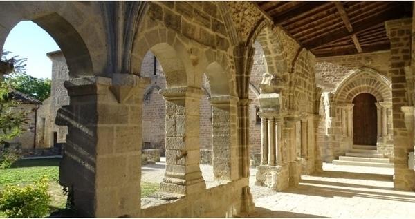 Abbaye de Saint-Amant-de-Boixe - Crypte et clocher