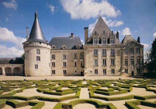 Le château d'Azay Le Ferron raconté aux enfants costumés