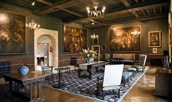Château d'Azay Le Ferron, visite insolite