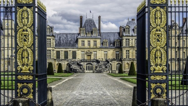 Le Château de Fontainebleau en visite guidée virtuelle en 3D