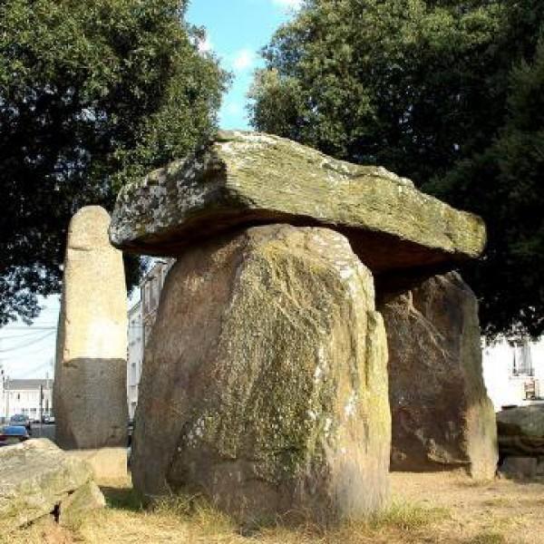 Un dolmen en ville