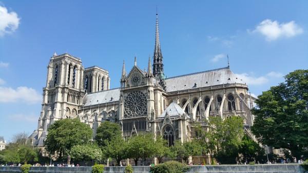 Visioconférence > Notre Dame : des Origines au drame