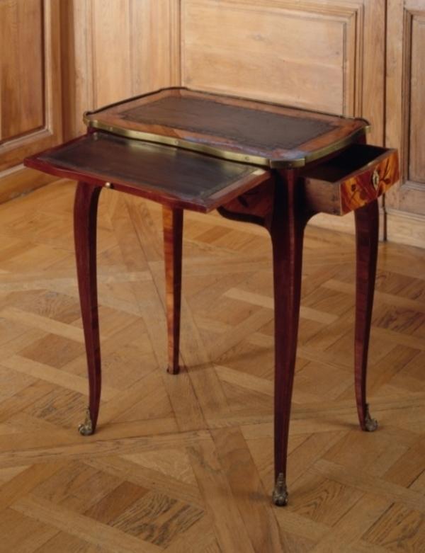 Le mobilier au XVIIIe siècle : styles, usages, techniques