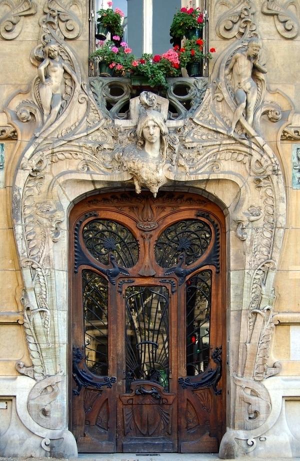 Maisons basses et immeubles Art Nouveau du Gros Caillou